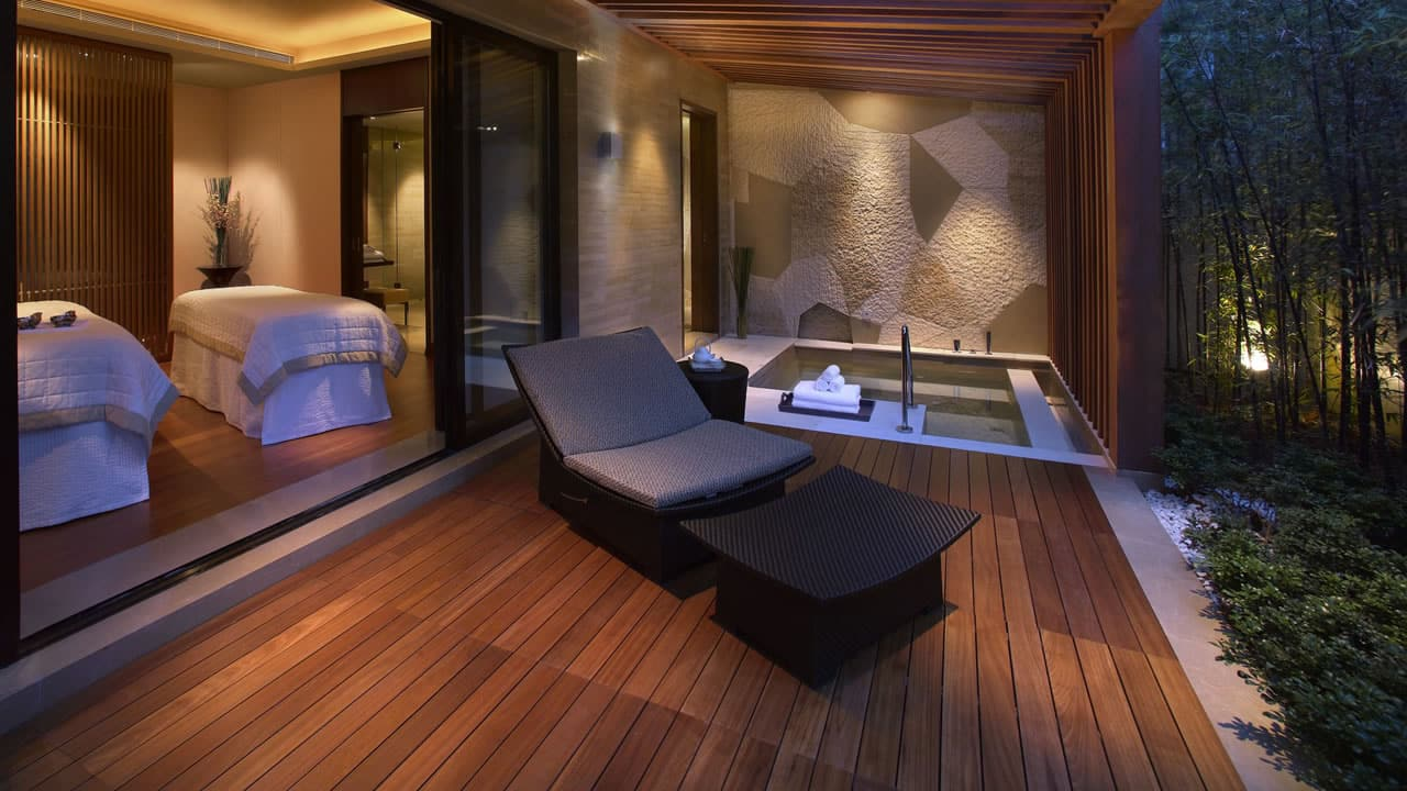 Spa Treatment Bed
